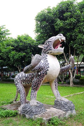 """Khu vườn toàn """"quái thú"""" độc, lạ và dị nhất Việt Nam - 5"""