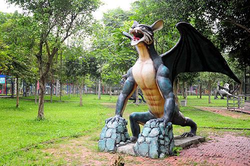 """Khu vườn toàn """"quái thú"""" độc, lạ và dị nhất Việt Nam - 12"""