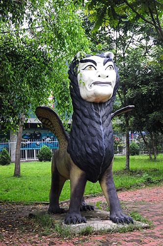 """Khu vườn toàn """"quái thú"""" độc, lạ và dị nhất Việt Nam - 11"""