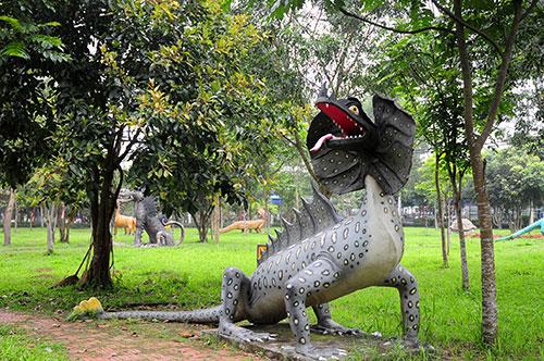 """Khu vườn toàn """"quái thú"""" độc, lạ và dị nhất Việt Nam - 13"""