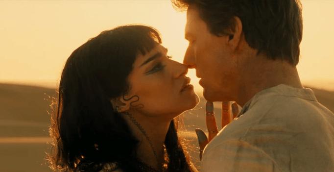 Tom Cruise trúng lời nguyền khi chống lại xác ướp trong phim mới - 4