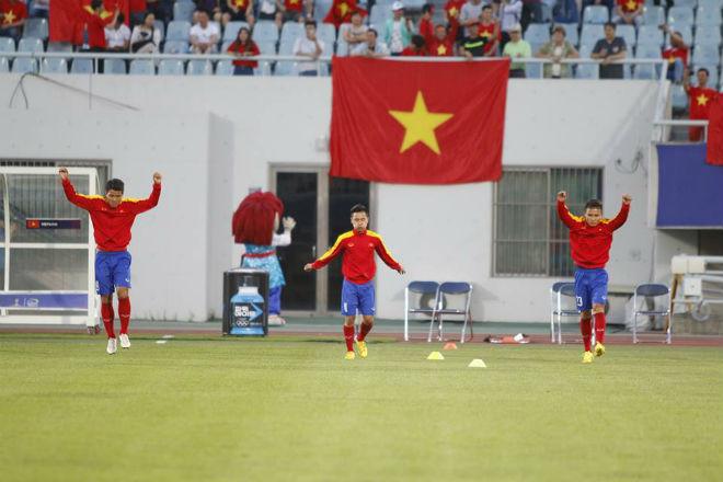 """TRỰC TIẾP U20 Việt Nam - U20 New Zealand: Thách thức """"người nhện"""" Woud - 9"""