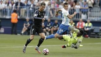 Malaga - Real Madrid: Ronaldo chắp cánh vinh quang