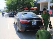 Tin tức trong ngày - Truy tìm 9 đối tượng ném gạch vào hàng loạt ô tô ở Đà Nẵng