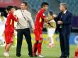 """U20 VN đi vào lịch sử, HLV Hoàng Anh Tuấn """"quát"""" học trò không được cúi đầu"""