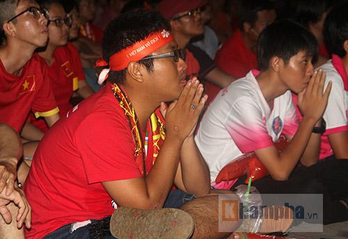 "U20 Việt Nam khiến New Zealand ""méo mặt"", fan cuồng tiếc ""đứt ruột"" - 10"
