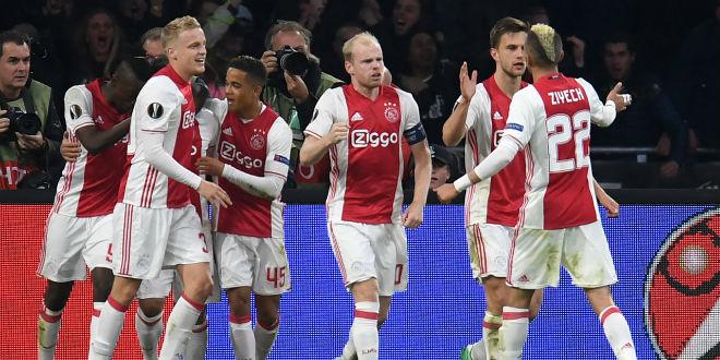 """MU đấu Ajax: Đội hình nửa tỷ bảng """"đè bẹp"""" đối thủ - 2"""