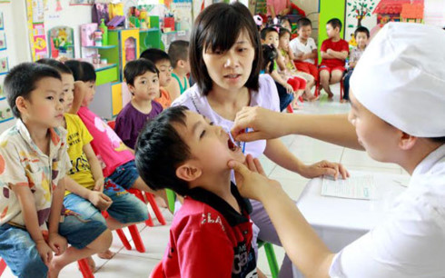 Ngày 1/6, gần 5 triệu trẻ em được uống vitamin A miễn phí - 1