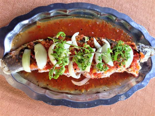 Ngon khó cưỡng, cá lóc nhồi thịt sốt cà chua - 4