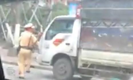 Nóng 12h qua: 2 Sở vào cuộc vụ nước giếng bốc cháy ở Đồng Nai - 2