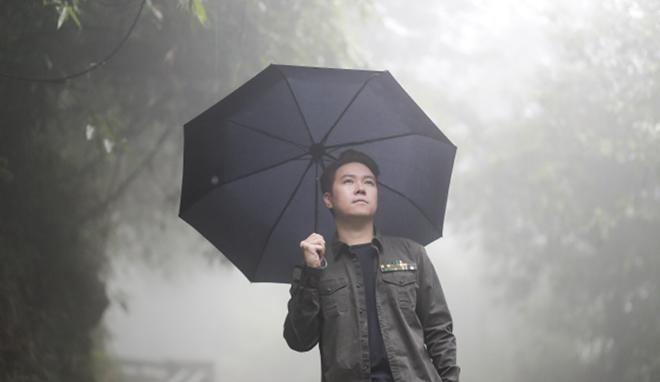 """Theo chân """"bạn diễn"""" đa tài của Lê Hiếu trong hậu trường MV """"Ngày mai sẽ khác"""" - 1"""