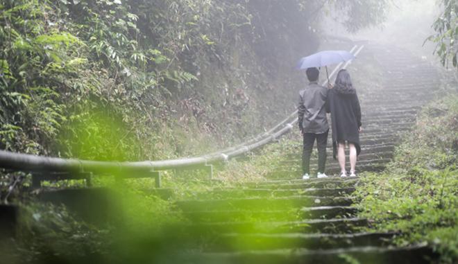 """Theo chân """"bạn diễn"""" đa tài của Lê Hiếu trong hậu trường MV """"Ngày mai sẽ khác"""" - 10"""