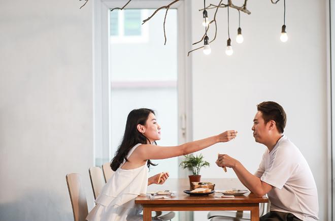 """Theo chân """"bạn diễn"""" đa tài của Lê Hiếu trong hậu trường MV """"Ngày mai sẽ khác"""" - 9"""