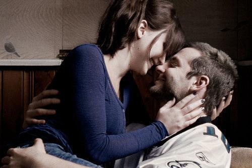 Người đàn ông quyến rũ nhất hành tinh bị chê...hôn dở tệ - 9
