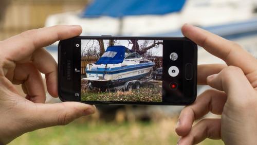 Top smartphone nhỏ gọn đáng mua nhất hiện nay - 3