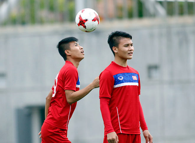 U20 VN: Sao trẻ nhà bầu Đức so tài tâng bóng HLV Hoàng Anh Tuấn - 7