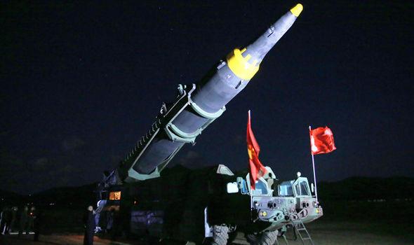 Sự thật về căn nhà bí ẩn treo cờ Triều Tiên ở Anh - 2