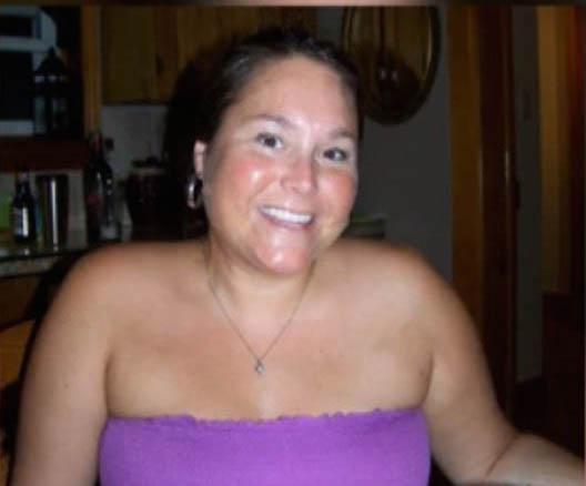 Nữ giáo viên Canada quan hệ với 3 nam sinh bị bắt giam - 2