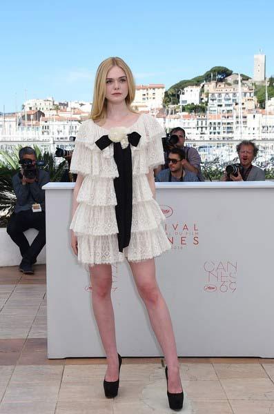 """""""Nàng tiên thả rông"""" đang gây sốt Cannes, cô ấy là ai? - 8"""