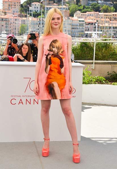 """""""Nàng tiên thả rông"""" đang gây sốt Cannes, cô ấy là ai? - 10"""