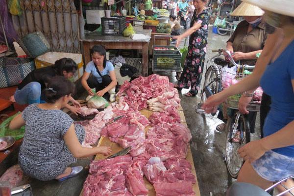 """""""Bắt"""" giáo viên mua 10kg thịt lợn: Yêu cầu thu hồi ngay công văn - 1"""