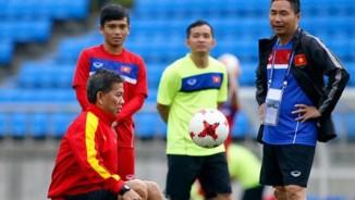 U20 VN: Sao trẻ nhà bầu Đức so tài tâng bóng HLV Hoàng Anh Tuấn