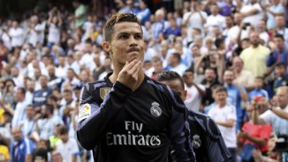 """Bàn thắng đẹp V38 Liga: Messi solo ảo diệu, Ronaldo """"nã đại bác"""""""