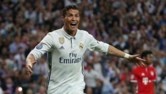 """Real: """"Quái vật"""" Ronaldo & 7 trận kinh ngạc cuối mùa"""