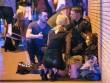 Nhân chứng vụ khủng bố Manchester: Xác người nằm la liệt