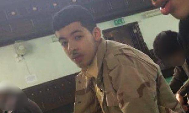 Hàng xóm kể về kẻ đánh bom tự sát đẫm máu ở Manchester - 1