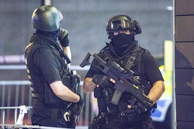 Hàng xóm kể về kẻ đánh bom tự sát đẫm máu ở Manchester - 3