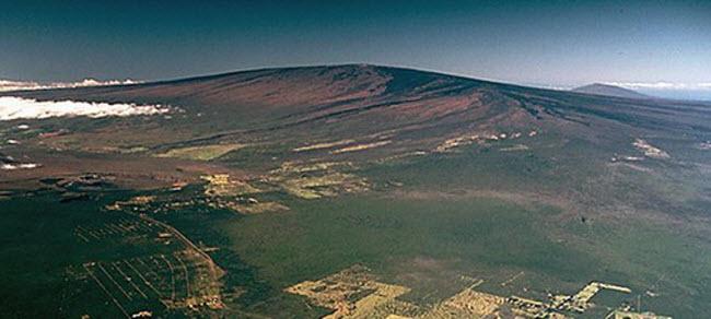 Khám phá 10 núi lửa hoạt động mạnh và nguy hiểm nhất thế giới - 1