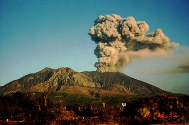 Khám phá 10 núi lửa hoạt động mạnh và nguy hiểm nhất thế giới - 5