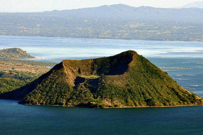 Khám phá 10 núi lửa hoạt động mạnh và nguy hiểm nhất thế giới - 10