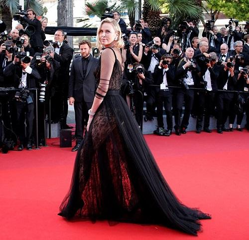 """Kiều nữ """"lộ liễu"""" ở Cannes vì mặc ngắn, mỏng như sương - 12"""