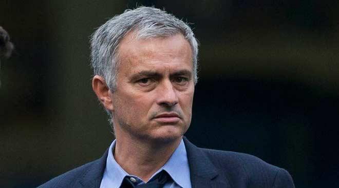 Hậu trường MU: Mourinho và người đàn ông chạy Grab - 1