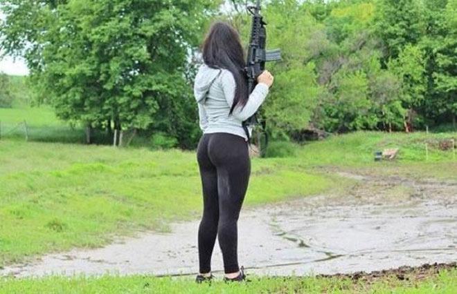 Cuộc sống thác loạn của bà trùm mafia sexy nhất TG - 7