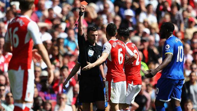 Tan hoang lực lượng, Arsenal què quặt đấu Chelsea - 1