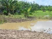 Hai chị em ruột rơi xuống hố tử vong khi đang tắm mưa