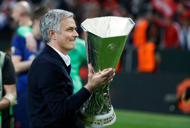 MU lên đỉnh Europa League: Mourinho, 4 thiên đường và 9 tầng mây - 11