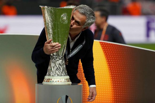 MU lên đỉnh Europa League: Mourinho, 4 thiên đường và 9 tầng mây - 7