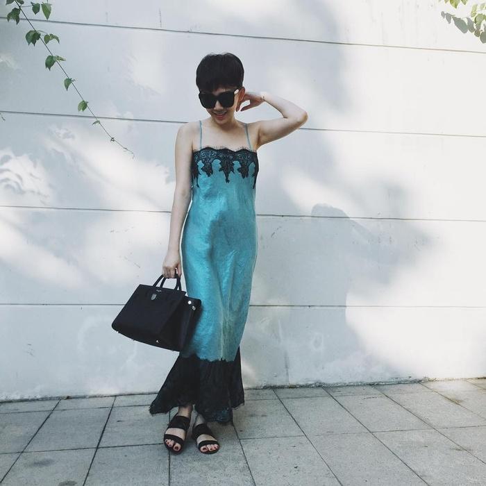 Tóc Tiên diện mốt đồ ngủ ra đường đẹp không kém Angela Phương Trinh - 5