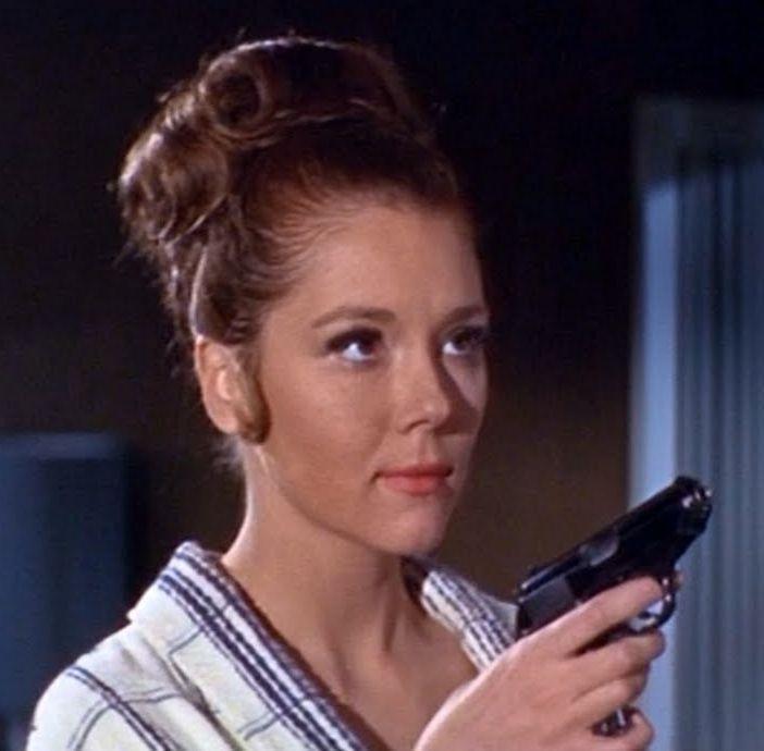 """James Bond """"sát gái"""" và kiếm lời nhiều nhất cho """"007"""" là ai? - 8"""