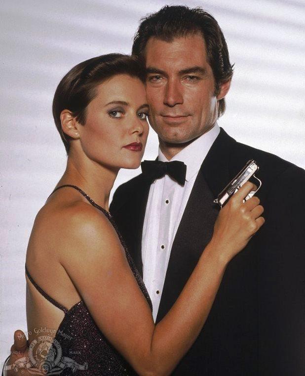 """James Bond """"sát gái"""" và kiếm lời nhiều nhất cho """"007"""" là ai? - 10"""