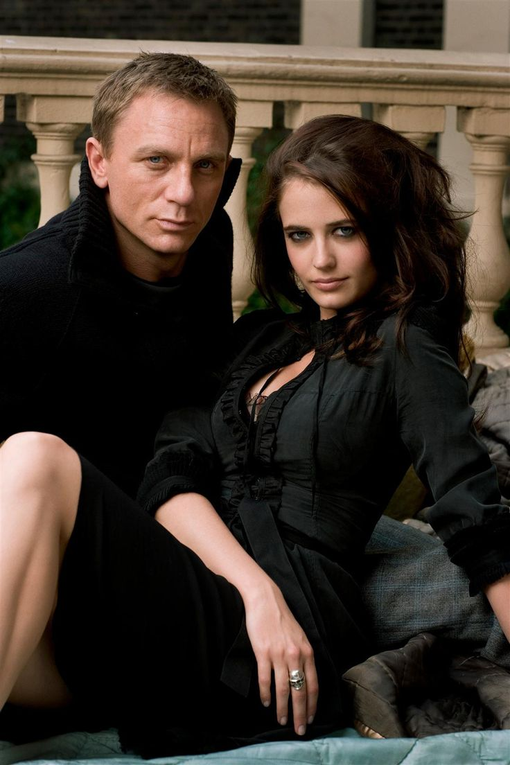 """James Bond """"sát gái"""" và kiếm lời nhiều nhất cho """"007"""" là ai? - 14"""