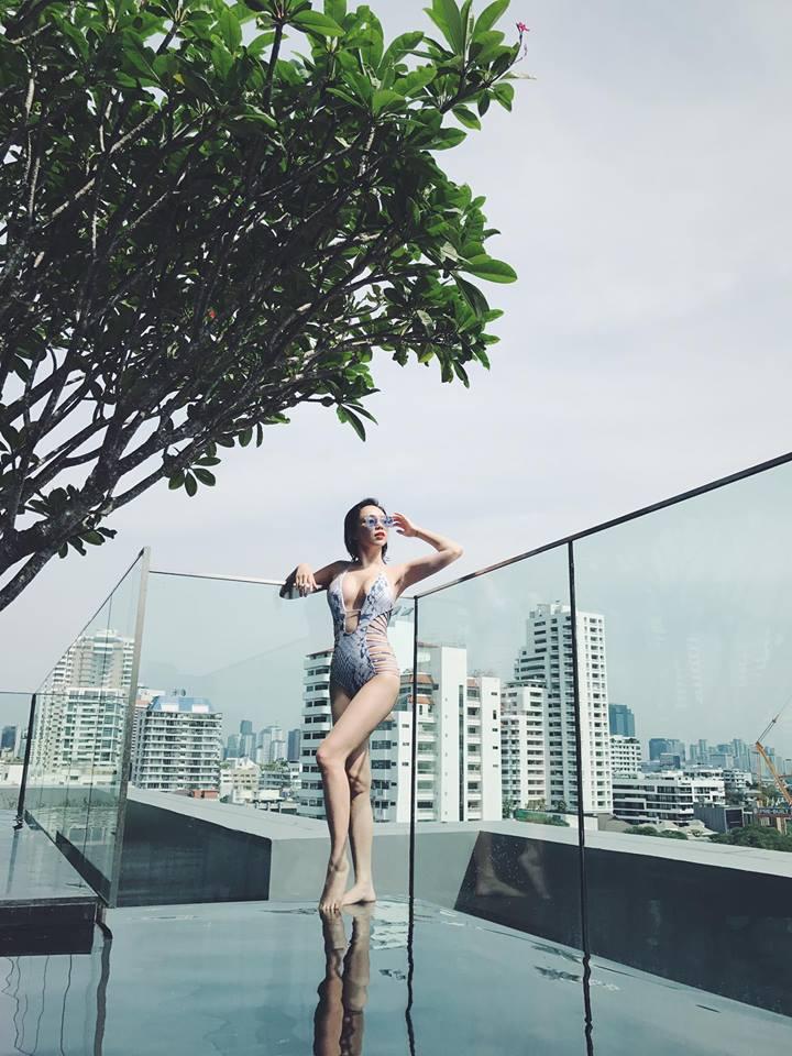 """Cuộc đua """"nữ hoàng áo tắm"""" khốc liệt của mỹ nữ Việt khi hè về - 5"""