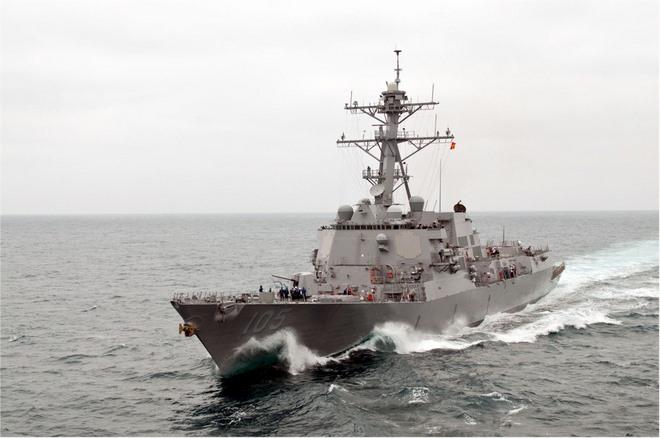 Tàu chiến Mỹ đến gần đảo TQ xây trái phép ở Biển Đông - 2