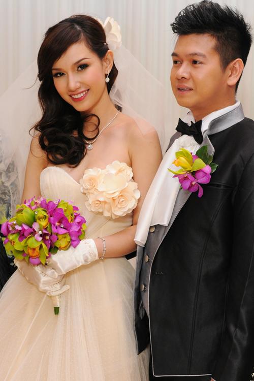 Bố mẹ chồng sao Việt gây choáng vì tặng đồng hồ ngàn đô, trang sức tiền tỷ - 7