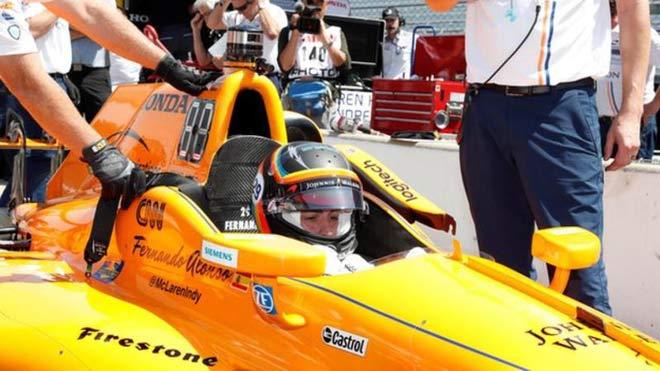"""Đua xe F1: Siêu sao và cú """"triple crown"""" hiếm có trong lịch sử - 1"""