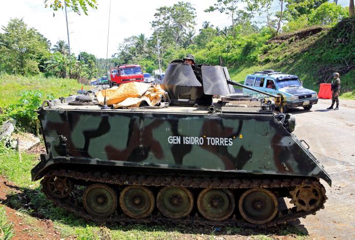 IS chặt đầu cảnh sát Philippines: Đang giao tranh ác liệt - 3